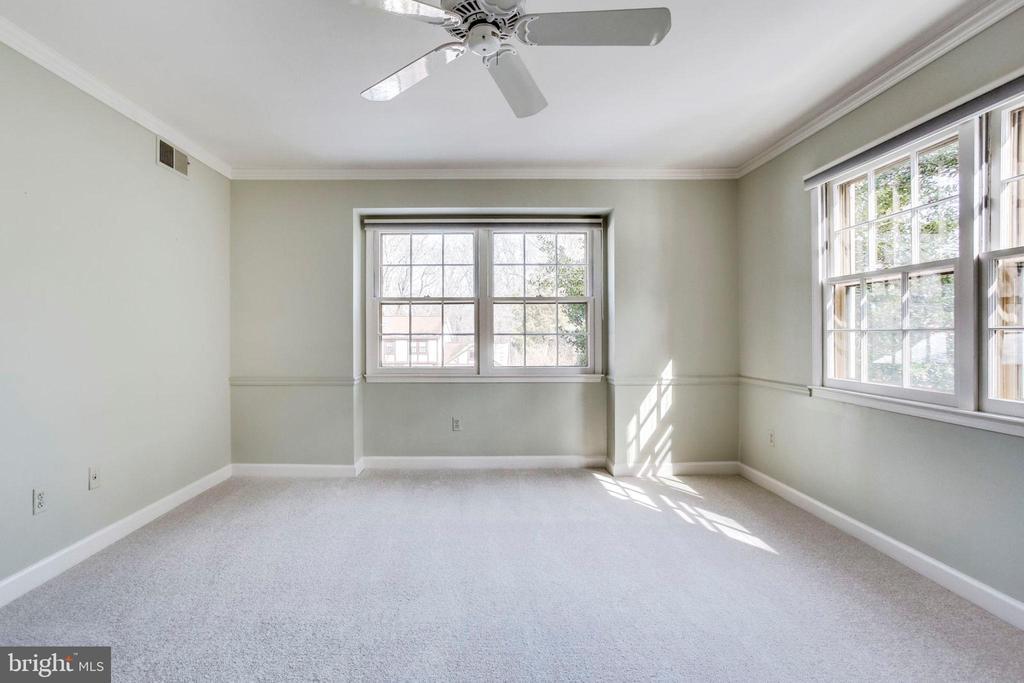 Master Bedroom - 8911 GLADE HILL RD, FAIRFAX