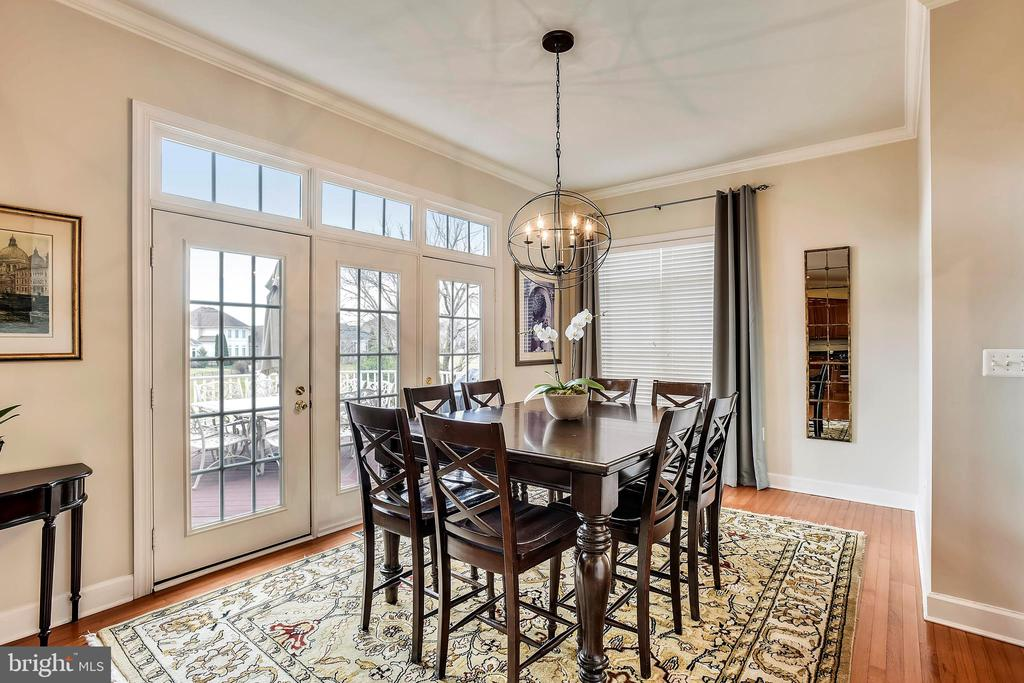 Breakfast Area - French Doors lead to Rear Deck - 43547 BUTLER PL, LEESBURG