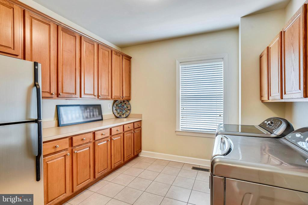 Laundry Room with plenty of Storage - 43547 BUTLER PL, LEESBURG