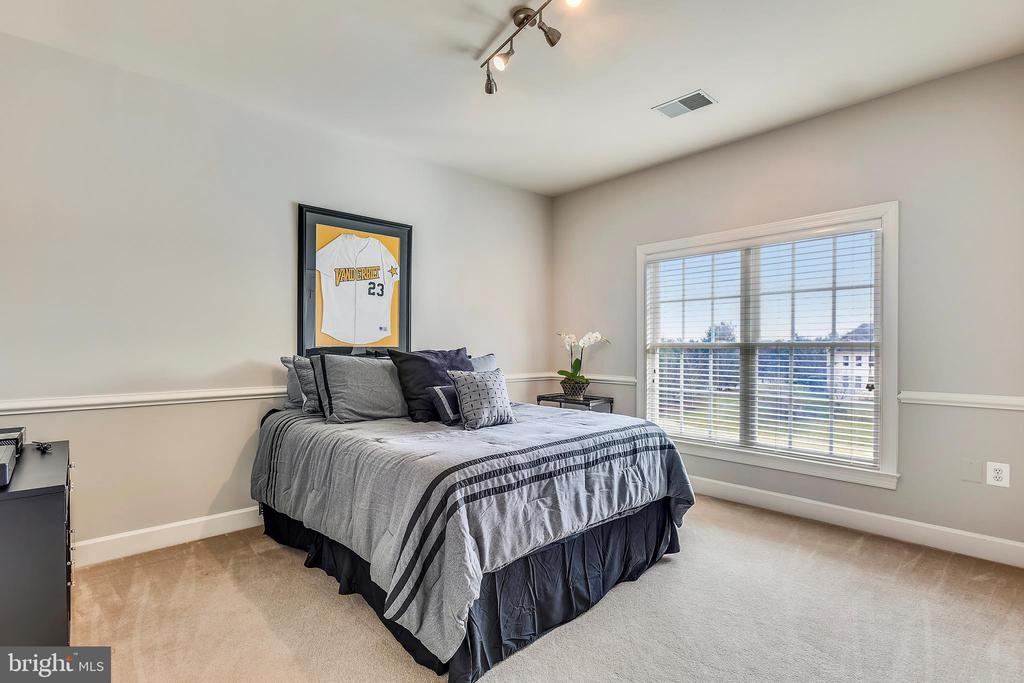 Third Upper Level Bedroom - 43547 BUTLER PL, LEESBURG