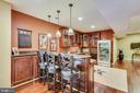 Lower Level Wet Bar with Seating - 43547 BUTLER PL, LEESBURG