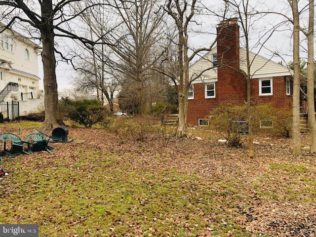 Additional photo for property listing at 2903 Chain Bridge Rd Oakton, Virginia 22124 United States
