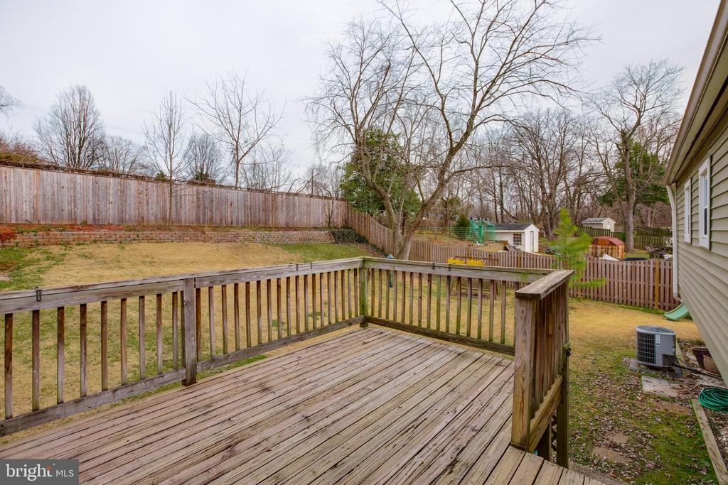 View from deck to fenced backyard - 13131 BEAVER TER, ROCKVILLE
