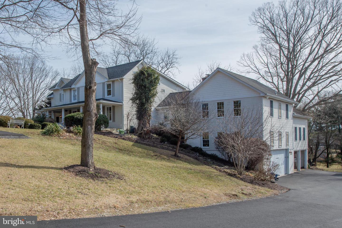 Single Family for Sale at 15067 Bushy Park Rd Woodbine, Maryland 21797 United States