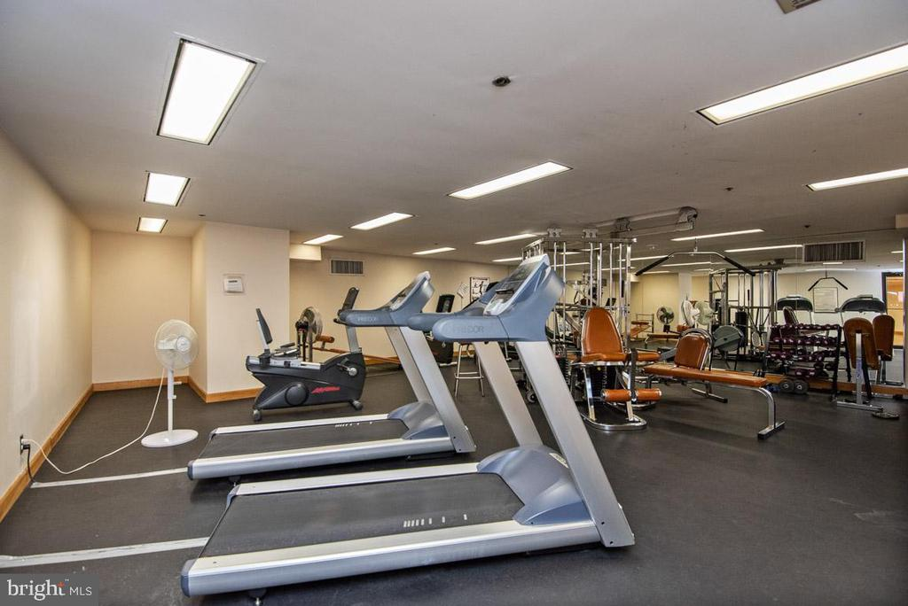Gym - 1200 CRYSTAL DR #1713, 1714, ARLINGTON
