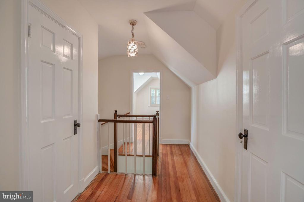 3rd Level Offers Two Large Bedrooms #4, #5, FB#3 - 4960 HILLBROOK LN NW, WASHINGTON