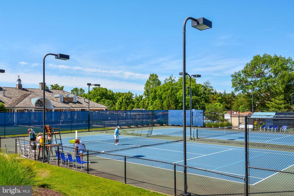 River Creek Tennis Courts - 43547 BUTLER PL, LEESBURG