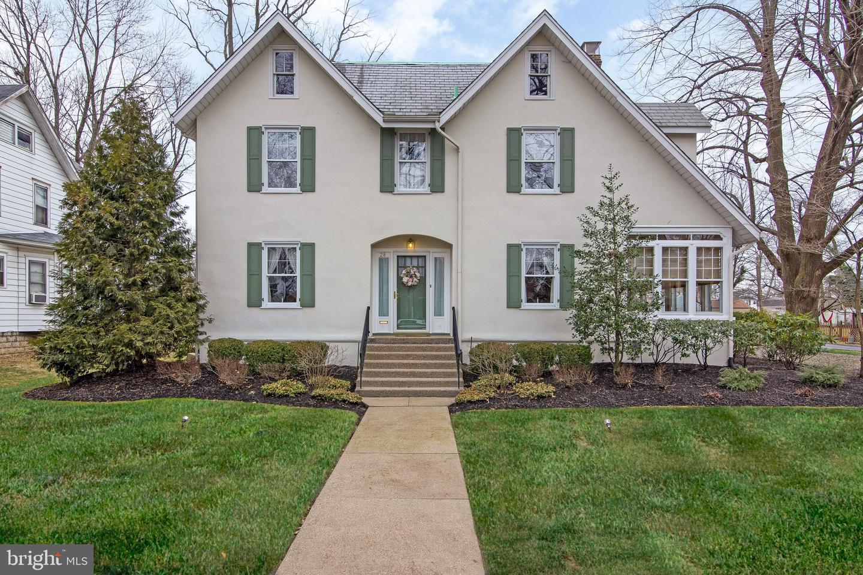 Maison unifamiliale pour l Vente à 28 YALE Road Audubon, New Jersey 08106 États-Unis