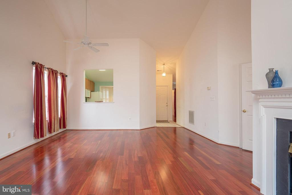 Beautiful Hardwood Floors - 11320 SAVANNAH DR, FREDERICKSBURG