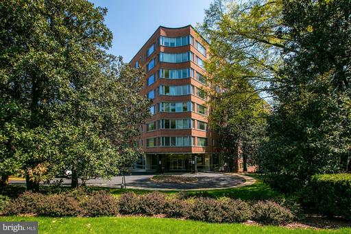 4200 CATHEDRAL AVE NW #1007