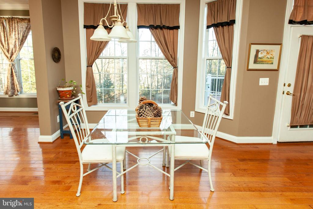 Kitchen Table Space - 43341 CEDAR POND PL, CHANTILLY
