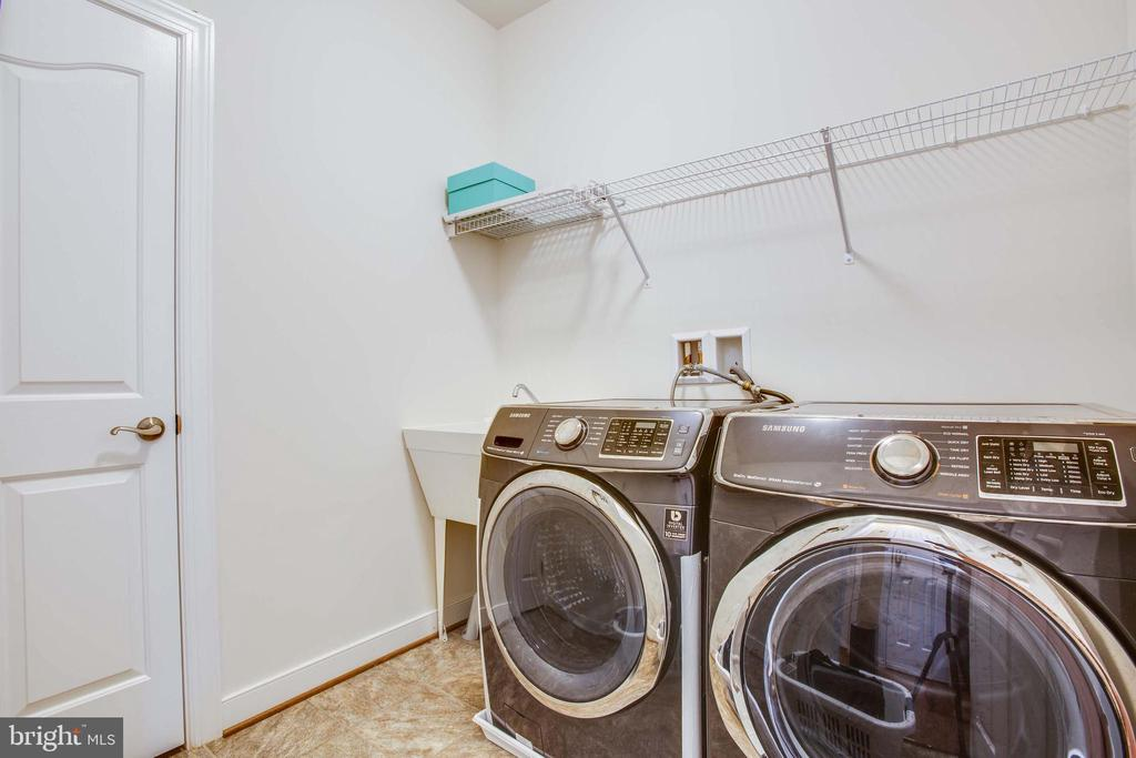 Utility sink plus storage closet in laundry room - 90 LUPINE DR, STAFFORD