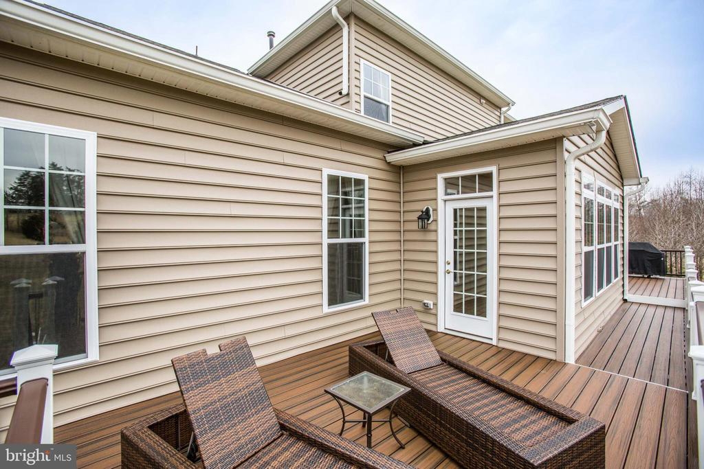 First deck off of sunroom - 90 LUPINE DR, STAFFORD