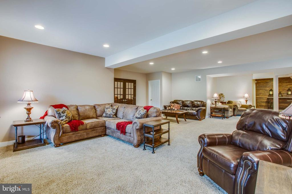 Recessed lighting throughout the basement - 90 LUPINE DR, STAFFORD