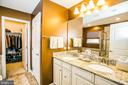 Delux Master Bathroom with soaking tub and shower - 2565 PASSIONFLOWER CT, DUMFRIES