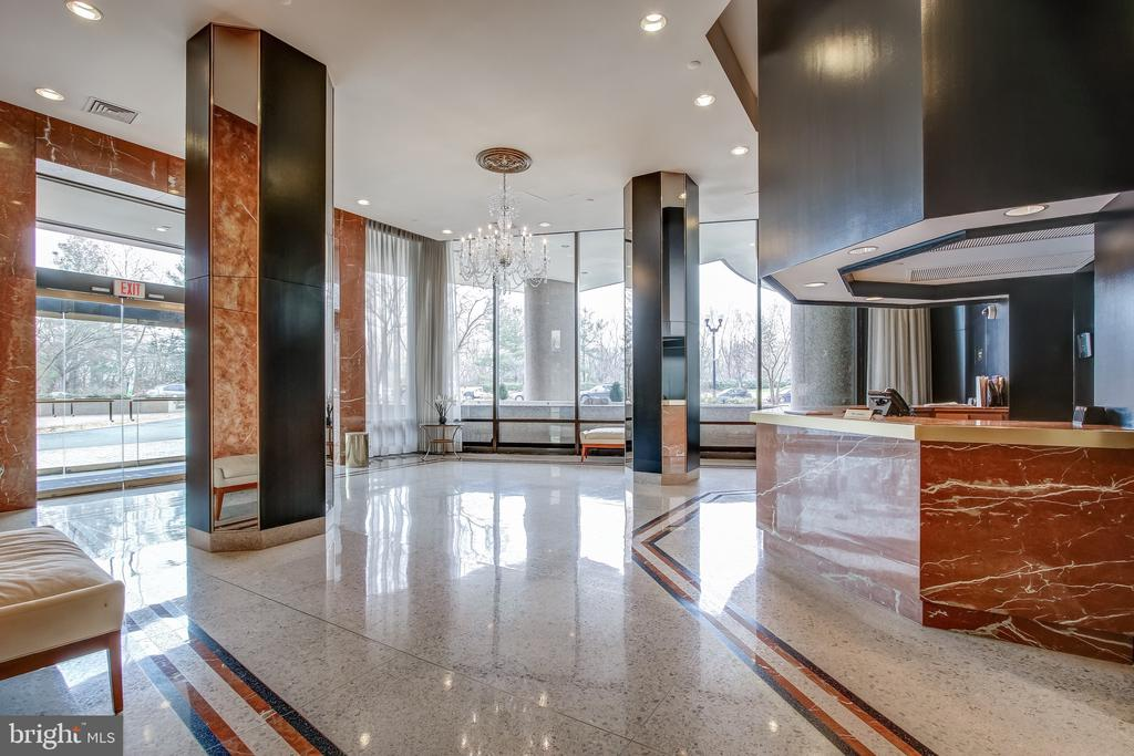 Welcome to The Waterford House - 1200 CRYSTAL DR #1712, ARLINGTON