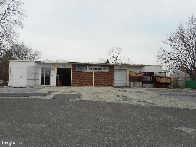 Enfamiljshus för Försäljning vid 4131 MARLTON PIKE Pennsauken, New Jersey 08109 Förenta staterna