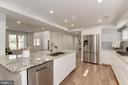 Dishwasher Built -In to Island - 10526 HUNTERS VALLEY RD, VIENNA