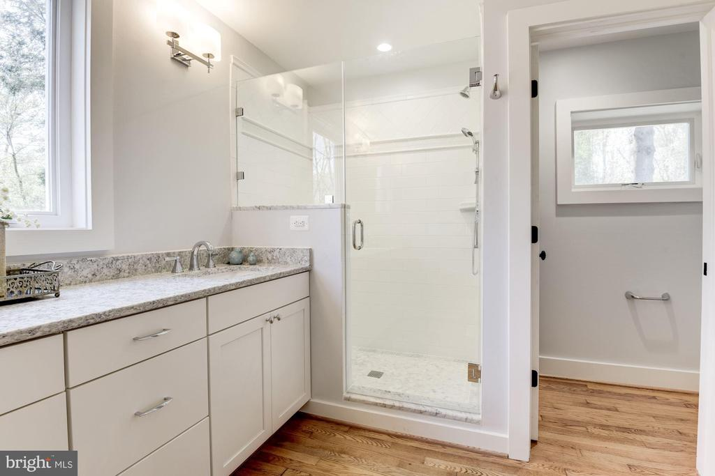 Master Bathroom with Glass Shower & Sep Toilet Rm - 10526 HUNTERS VALLEY RD, VIENNA