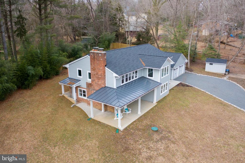 - 10526 HUNTERS VALLEY RD, VIENNA