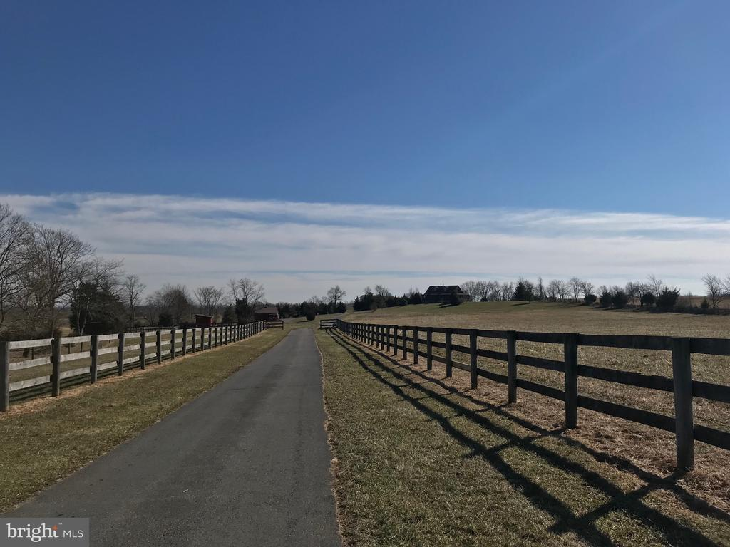 Private Driveway - 9703 BETHEL RD, FREDERICK