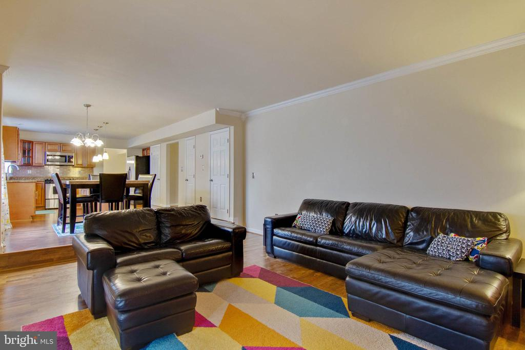 Family room - 3860 WERTZ DR, WOODBRIDGE