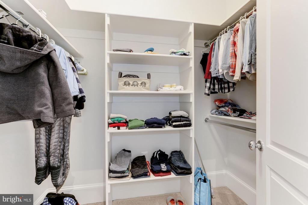 WALK IN CLOSET - 9165 OLD DOMINION DR, MCLEAN