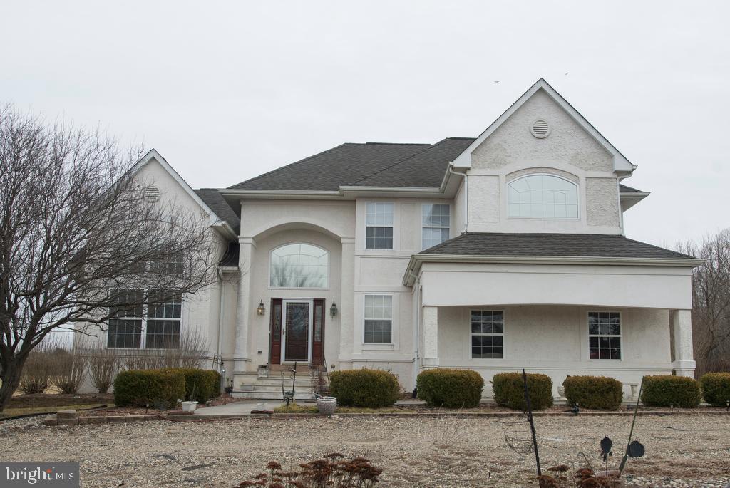 Частный односемейный дом для того Продажа на 86 NORTHVILLE Road Bridgeton, Нью-Джерси 08302 Соединенные Штаты