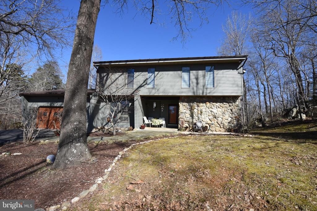 8135  BELMONT COURT, Marshall in FAUQUIER County, VA 20115 Home for Sale