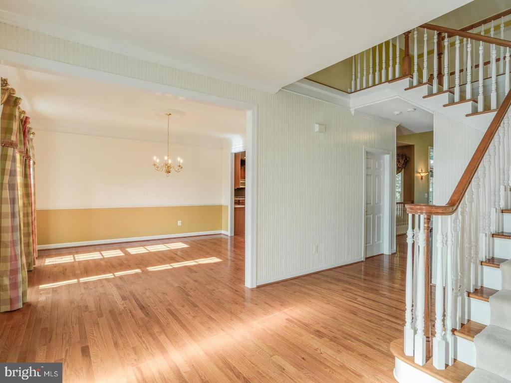 Large Foyer and Dining Room - 4522 FAIRWAY DOWNS CT, ALEXANDRIA