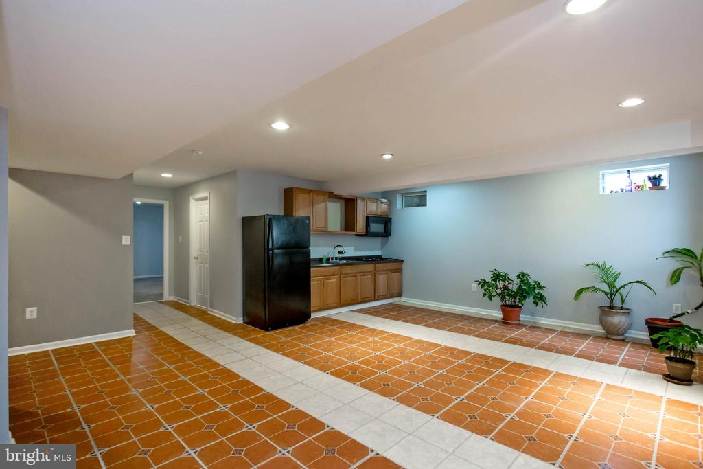 2nd Kitchen / Great for Mother In-Law Suite / Bar - 5940 LYCEUM LN, MANASSAS