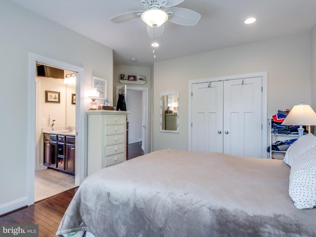 Large bedroom with corner windows and hardwoods! - 624 SPRING ST, HERNDON
