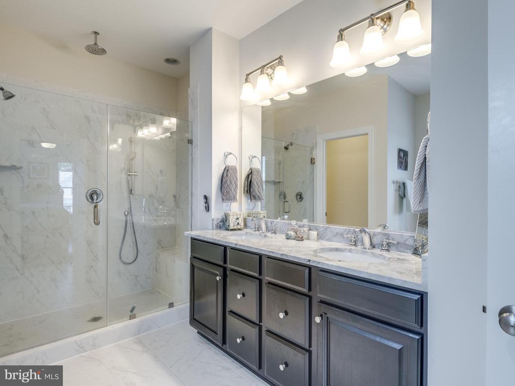 Spa like master bathroom! Extra large shower! - 624 SPRING ST, HERNDON