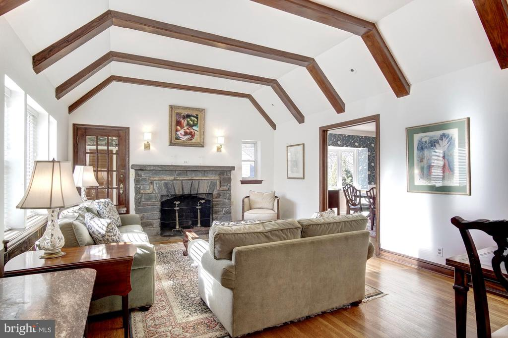 Great Room with Exposed Beams - 1373 LOCUST RD NW, WASHINGTON
