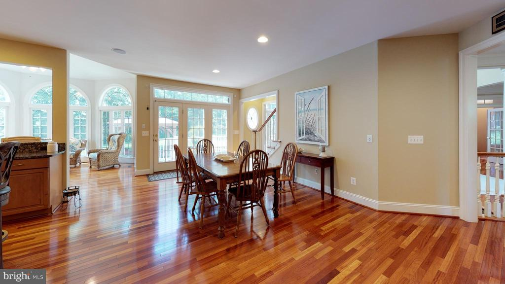 Bright, open floor plan with whole house audio - 18733 GROVE CHURCH CT, LEESBURG