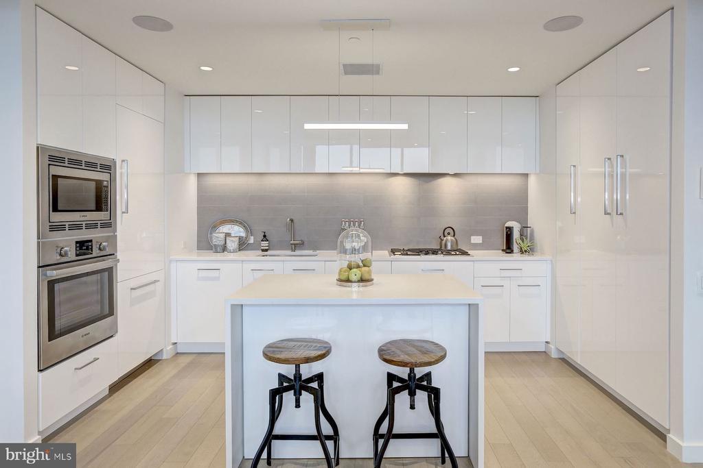 Designer Kitchen with Island - 1111 24TH NW #PH105, WASHINGTON