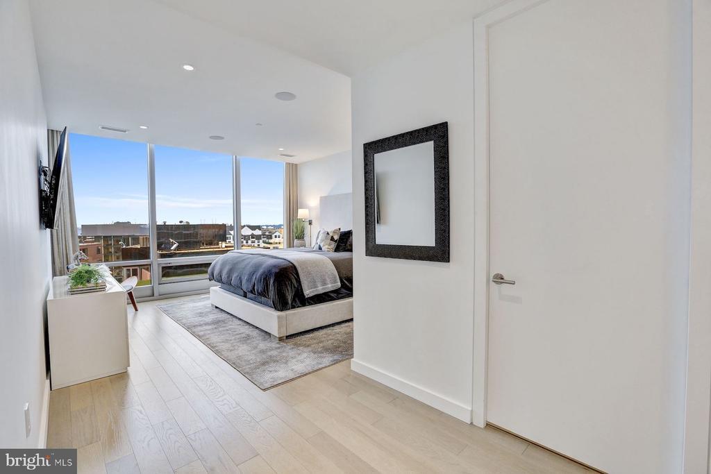 Master Bedroom with Walk in Closet - 1111 24TH NW #PH105, WASHINGTON