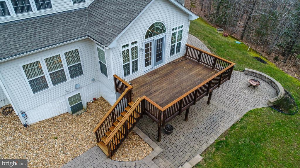Rear deck and patio - 12 DINAS WAY, STAFFORD