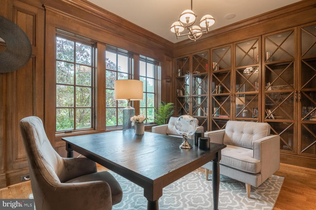Wood-paneled Library - 8104 SPRING HILL FARM DR, MCLEAN