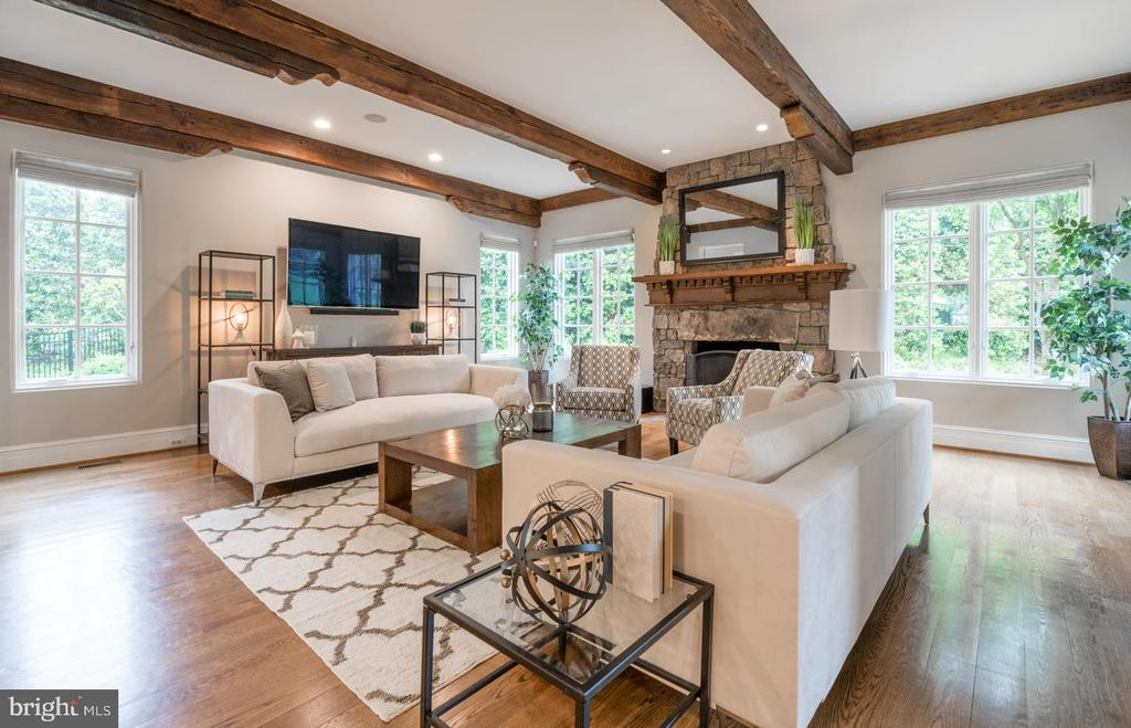 Family Room off of Kitchen - 8104 SPRING HILL FARM DR, MCLEAN