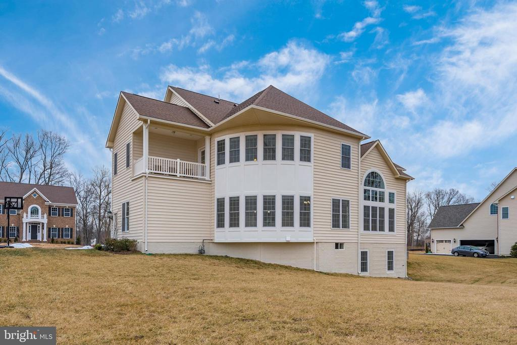 Rear look with curved windows and Balcony! - 42617 NICKELINE PL, CHANTILLY