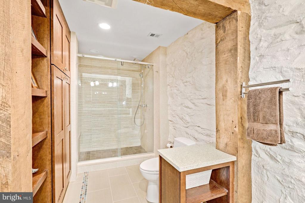 Master Bath w/ radiant - 37354 JOHN MOSBY HWY, MIDDLEBURG
