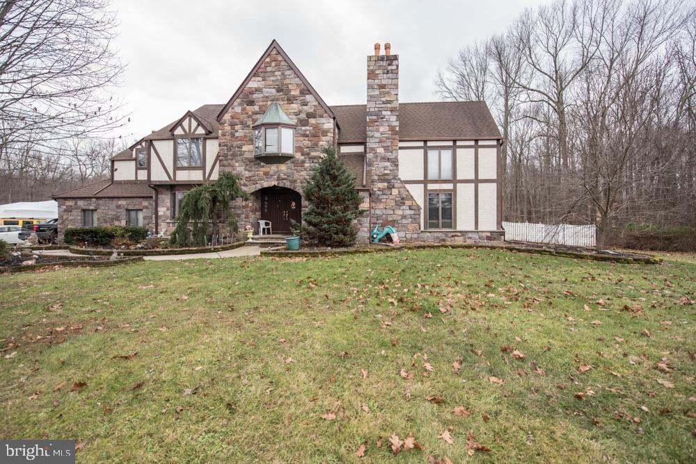 Single Family Home for Sale at 55 FRIENDSHIP Cranbury, New Jersey 08512 United StatesMunicipality: South Brunswick Township