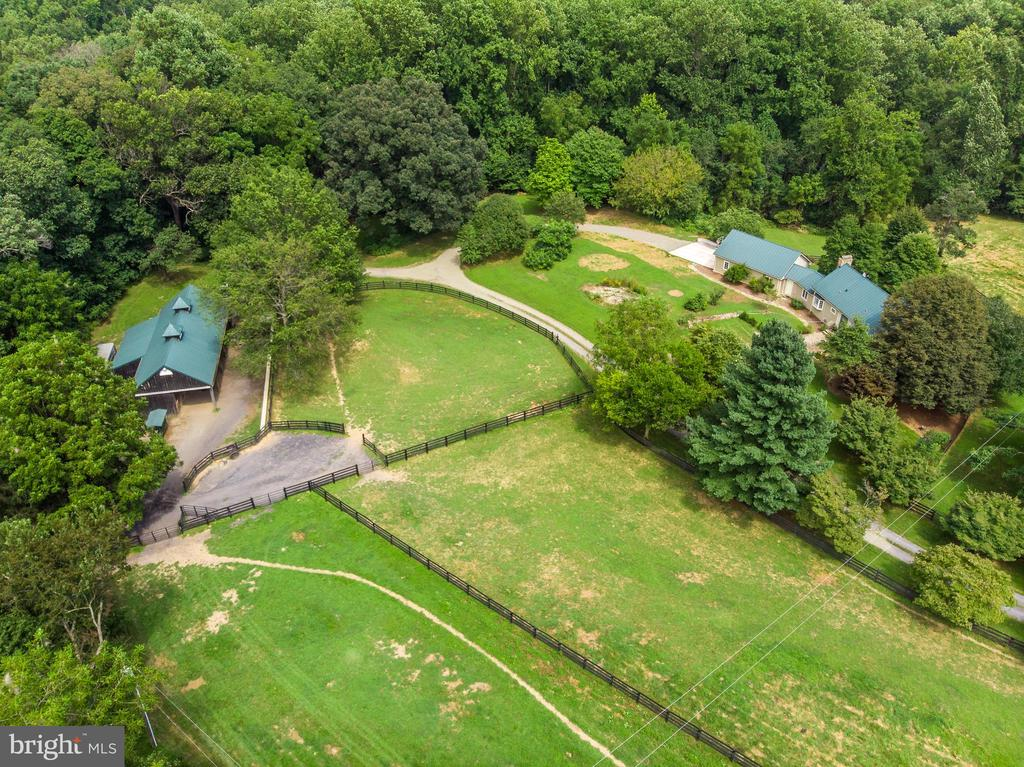 overview of house and barn - 37354 JOHN MOSBY HWY, MIDDLEBURG