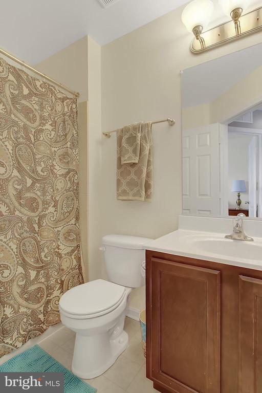 Bath - 2335 SWIFTWATER DR, HANOVER