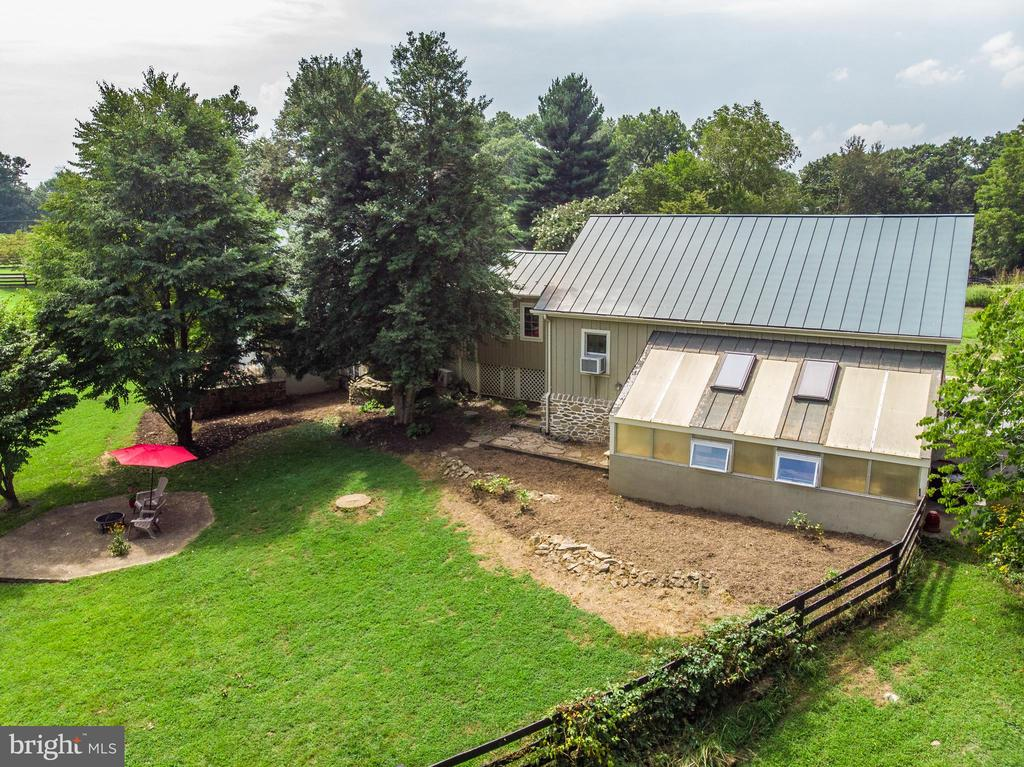 view of green house and garage - 37354 JOHN MOSBY HWY, MIDDLEBURG