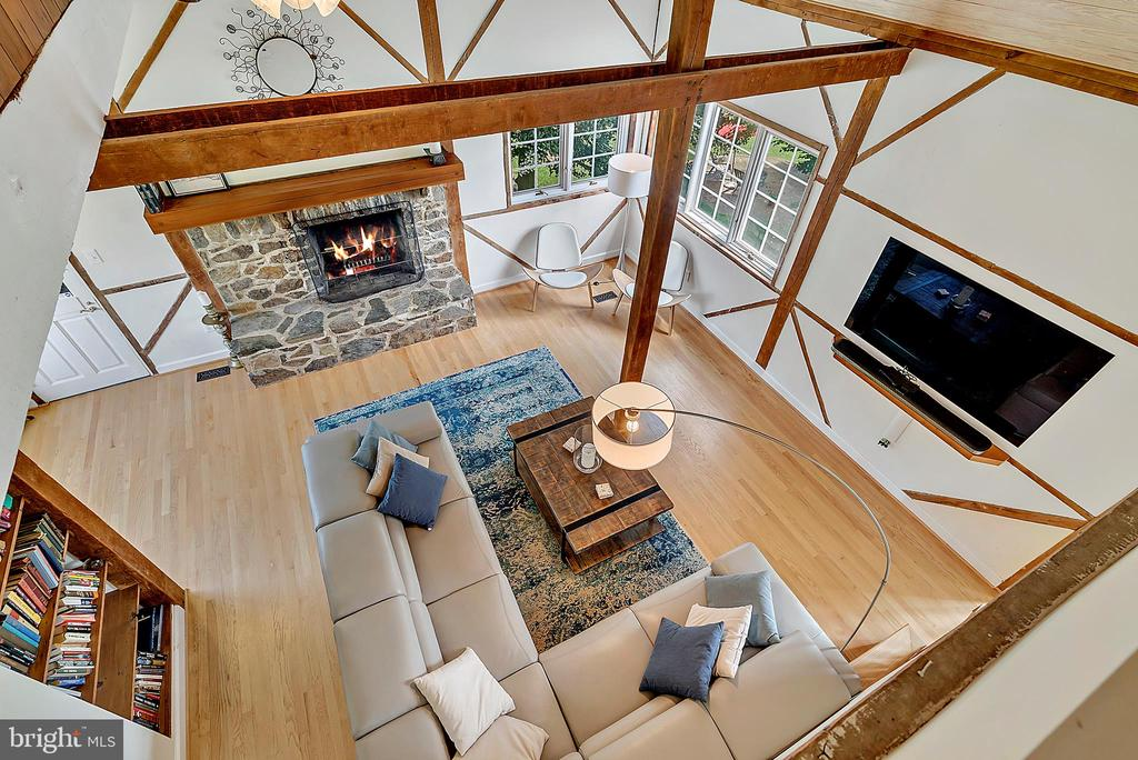 view from loft into living room - 37354 JOHN MOSBY HWY, MIDDLEBURG