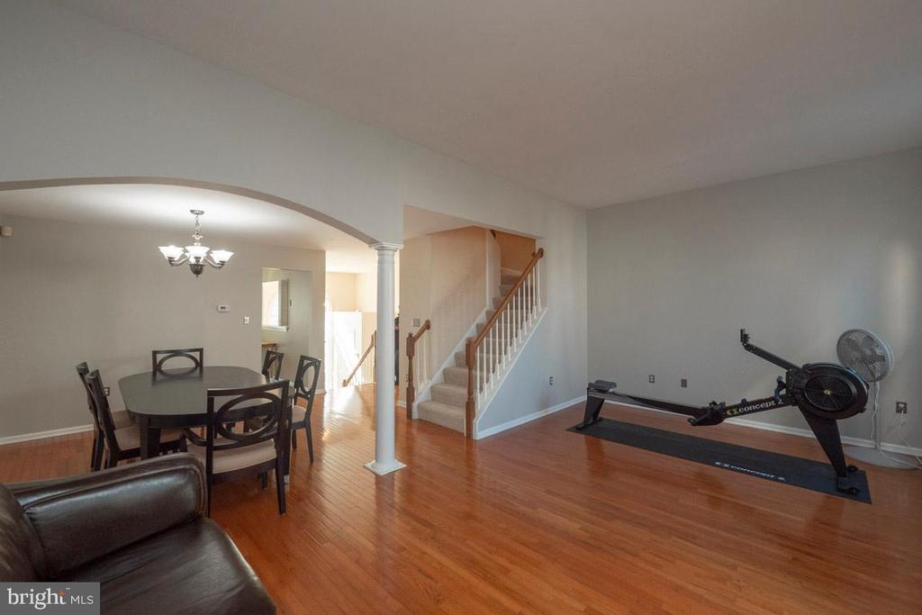 Hardwood flooring throughout main level - 46675 ASHMERE SQ, STERLING