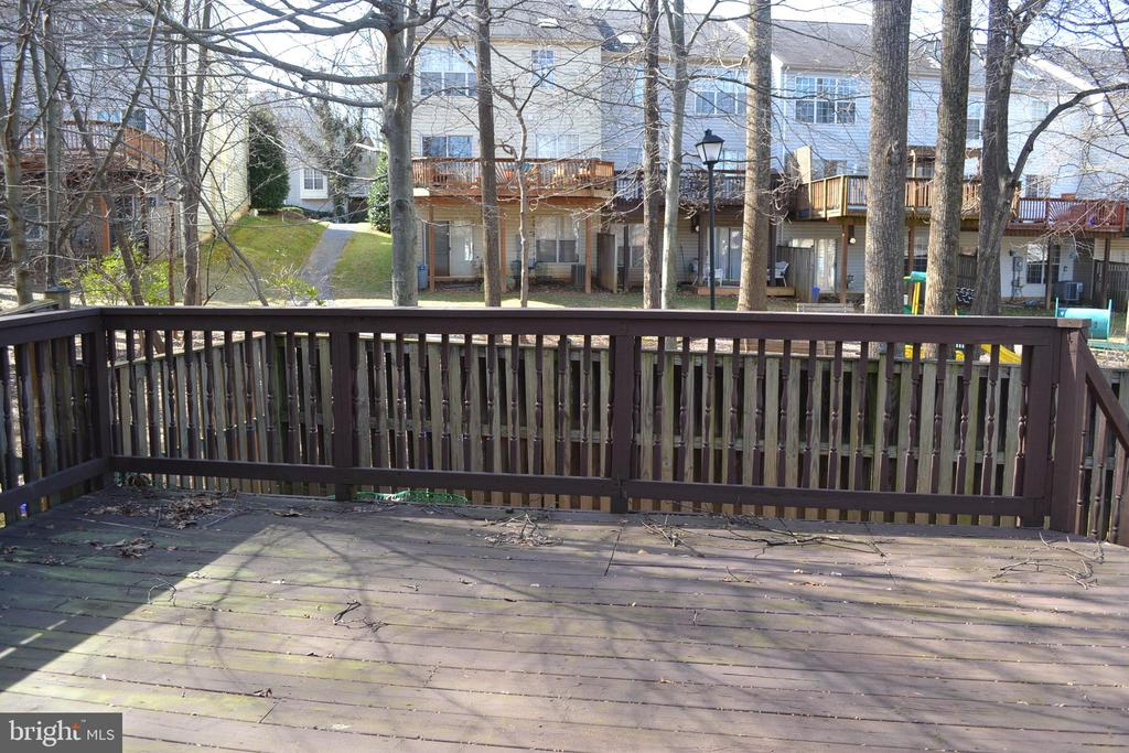 Large Back Deck - 2512 LITTLE VISTA TER, OLNEY
