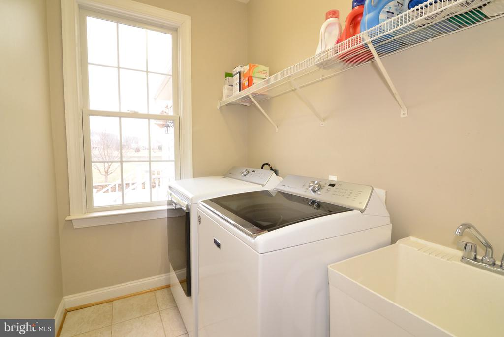 Laundry Room Main Level - 16333 LIMESTONE CT, LEESBURG